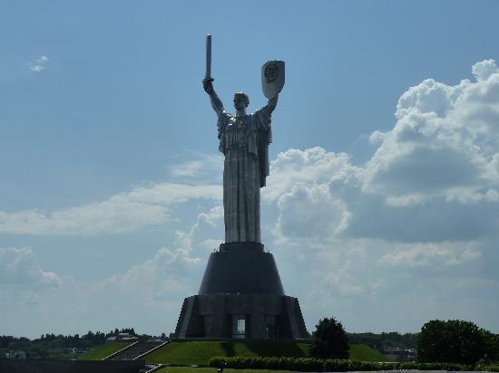 statue-auf-dem-berg.jpg